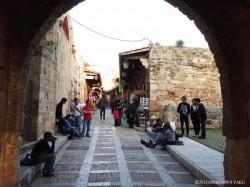 フェニキア時代の遺跡で名高いビブロスの街並み。