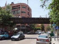 東ベイルートのアルメニア人街で見かけた廃線跡(鉄橋)。