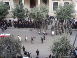 弊センター正面にあるサン・ジョージ教会で執り行われたレバノン国軍関係者の葬儀風景。